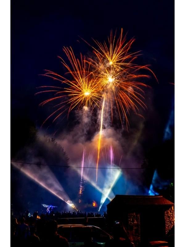 Πυροτεχνήματα βράδυ σε event