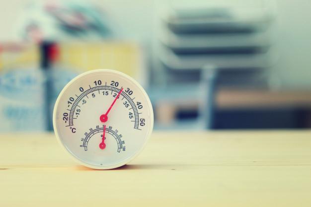 Θερμόμετρο και μετρητής υγρασίας