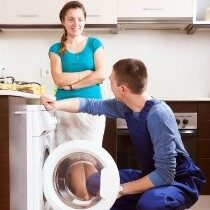 Έμπειρος τεχνικός για επισκευή πλυντηρίου