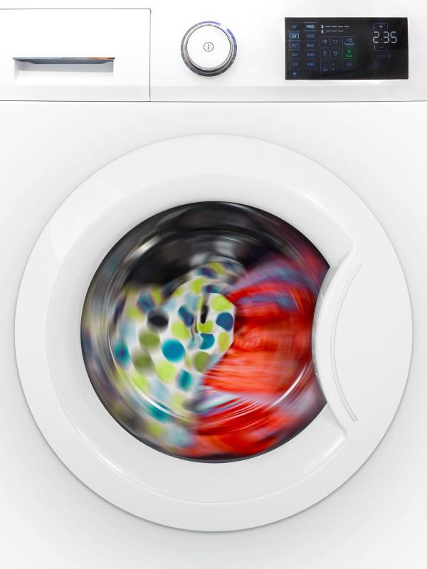 Περιστροφή ρούχων σε πλυντήριο ρούχων